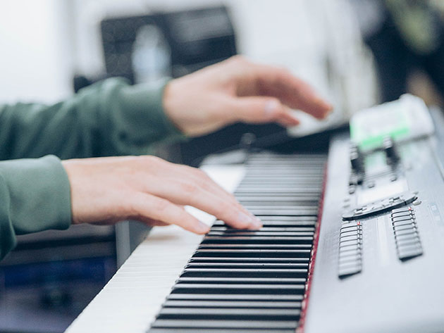 Sound Like a Pro From the Start with This Innovative Approach to Learning Piano