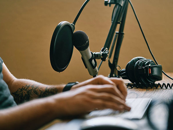 Podcasting Crash Course: Start a Podcast in less than 5 mins Course - Product Image