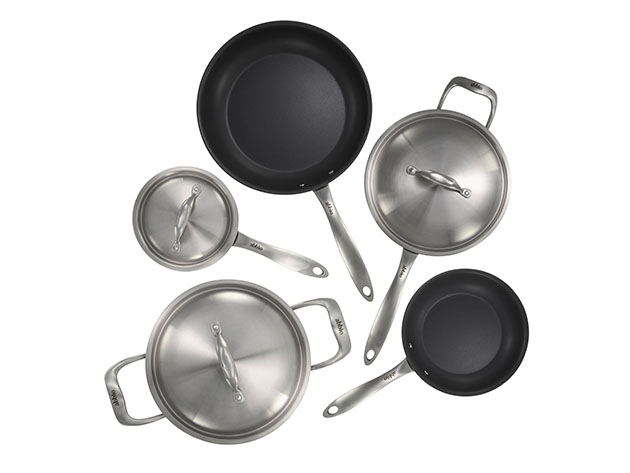 Four pans in various sizes and a pot