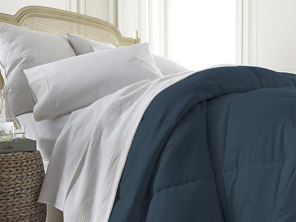 iEnjoy Home Down Alternative Navy Comforter (King)