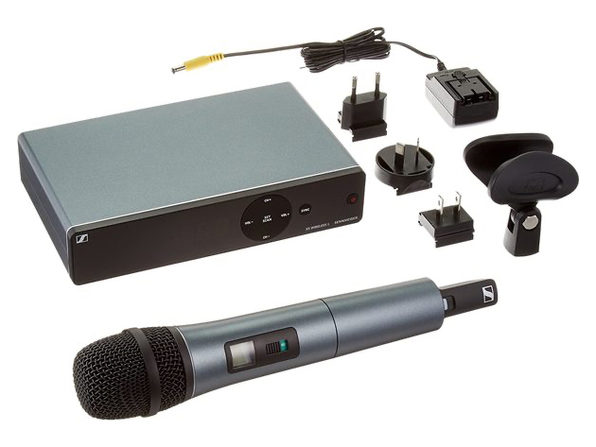 Sennheiser XSW 1-835-A Evolution Vocal Wireless Microphone, A Range 548-572 MHz (Used, Damaged Retail Box)