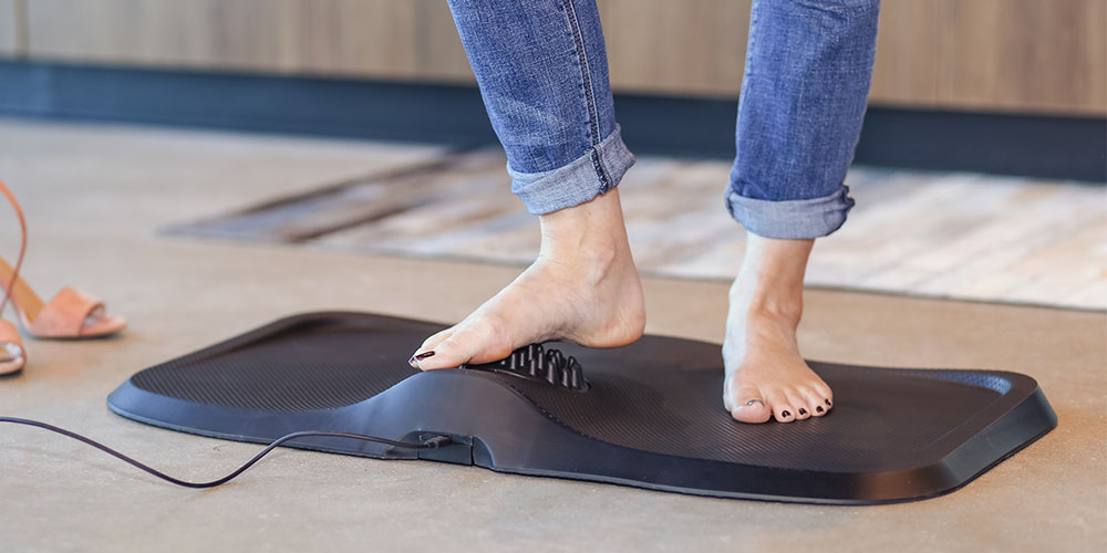Massage Anti-Fatigue Mat with Built-In Vibrating Foot Massager