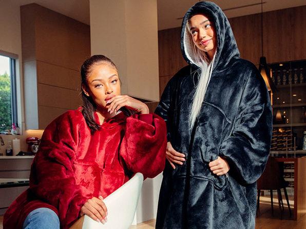 CMFY Hoodie: 2-in-1 Hoodie & Blanket