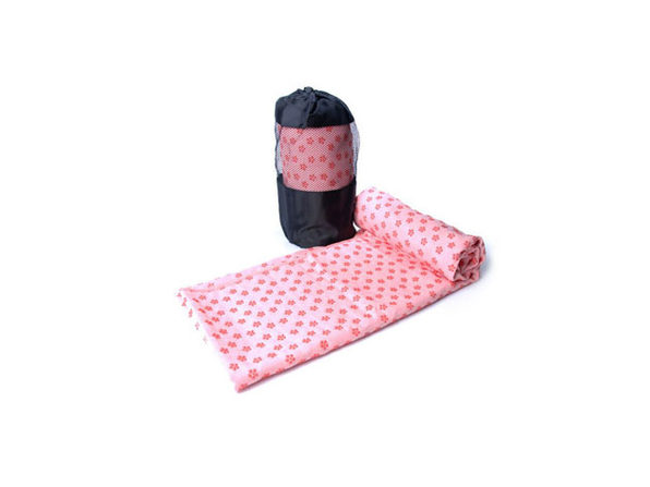 Non-Slip Yoga and Pilates Towel with Bag (Pink)