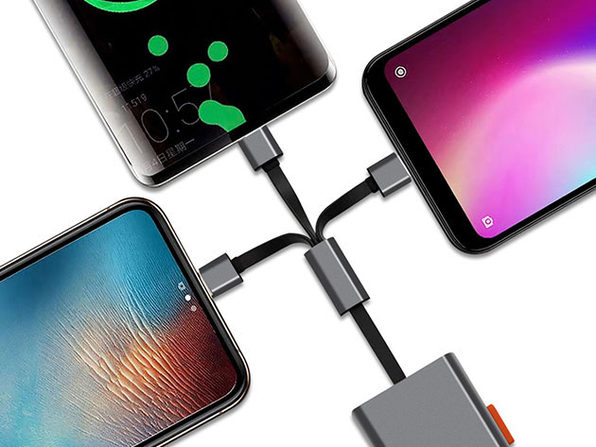3-in-1 Retractable Charging Cable: Lightning, Micro-USB & USB-C