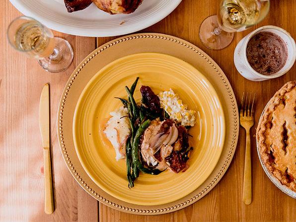 "Concentrix 10.5"" Round Dinner Plates: Set of 4 (Saffron Yellow)"