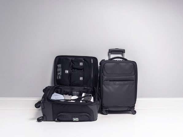 ff8bc12c06 Genius Pack G4 Carry-On Spinner Case (Coal Black)