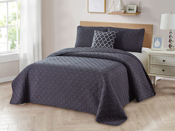 4-Piece Quilt Set with Embroidered  Pillow - Full/Queen - Grey - Product Image