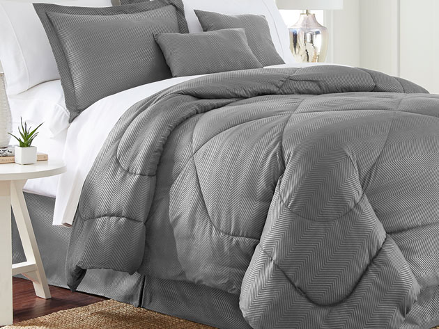 Take 75 percent off this Queen-sized comforter set that promises to be warm in the winter and cool in the summer