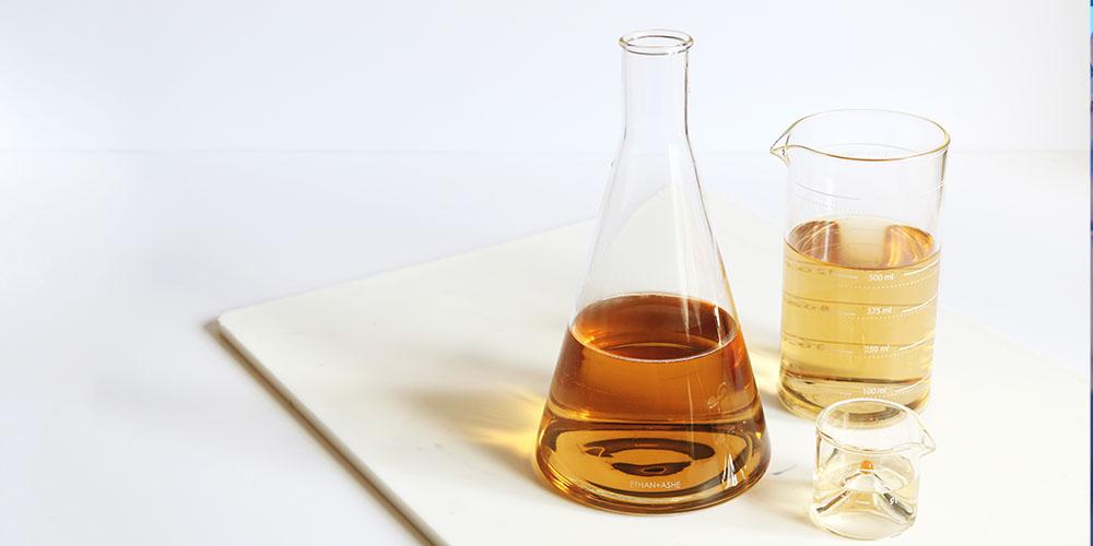 1L Lab-Grade Wine/Spirit Decanter, now on sale for $30.99