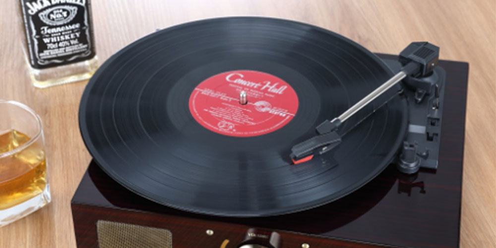 Enjoy Your Favorite Music The Old School Way With This Record Player 2