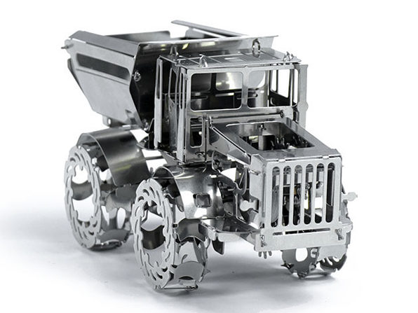 Hot Tractor Metal DIY Model Kit
