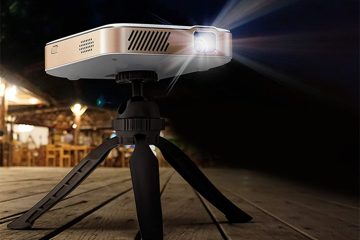 a Kodak projector on a tripod