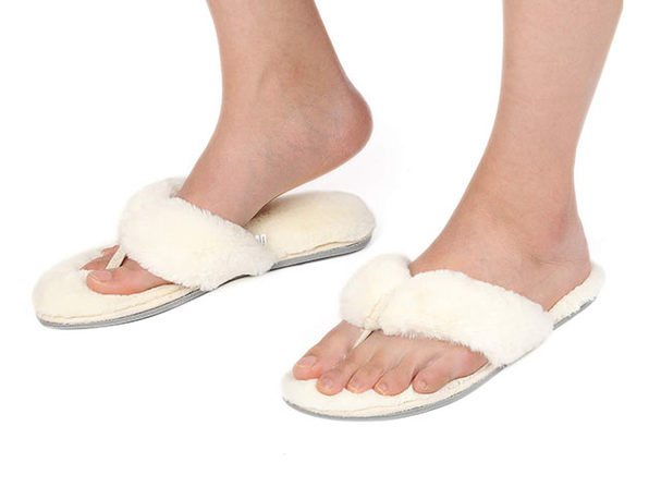 Women's Faux Fur Thong Slippers with Memory Foam (White)
