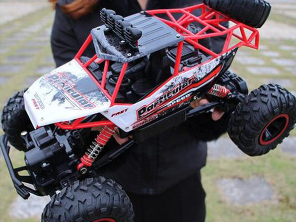 2.4Ghz Remote Control 4WD High Speed Monster Truck: Red
