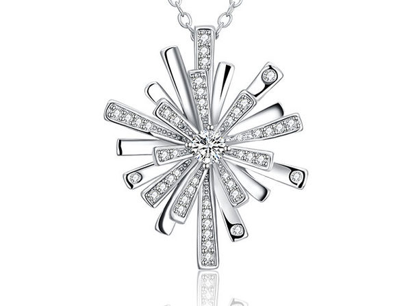 Shining Snowflake Necklace Featuring Swarovski Elements