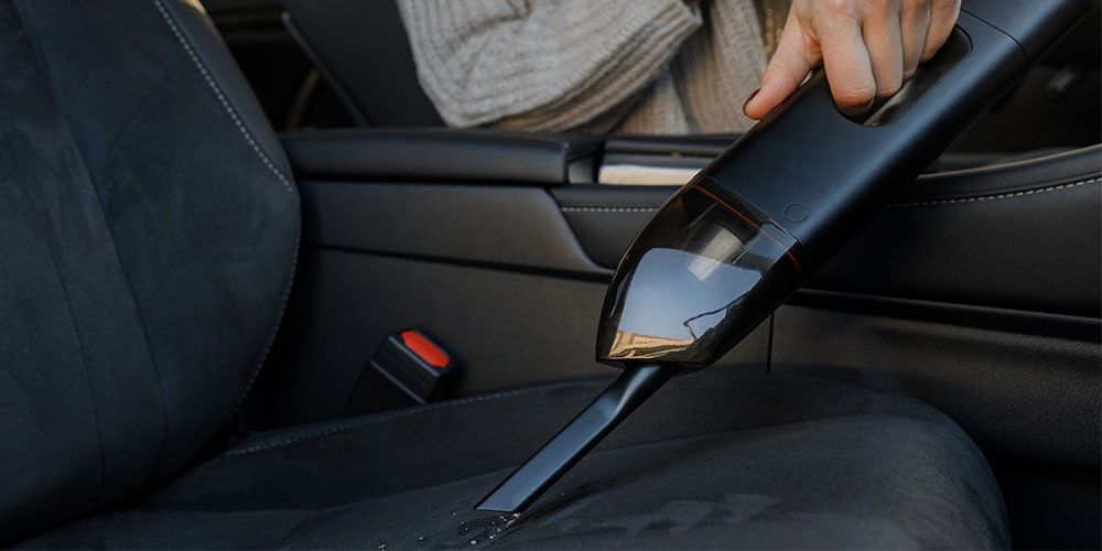 JUMPI 3-in-1 Car Vacuum, Jumpstarter & Power Bank, on sale for 99.99 (33% off)
