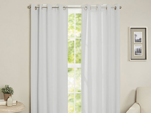 Maria Thermal Blackout Grommet-Top Curtain: 1 Panel (Silver)