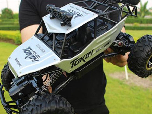 2.4Ghz Remote Control 4WD High Speed Monster Truck: Silver