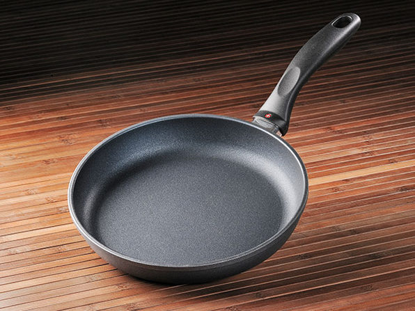 "HD Classic 9.5"" Nonstick Fry Pan"