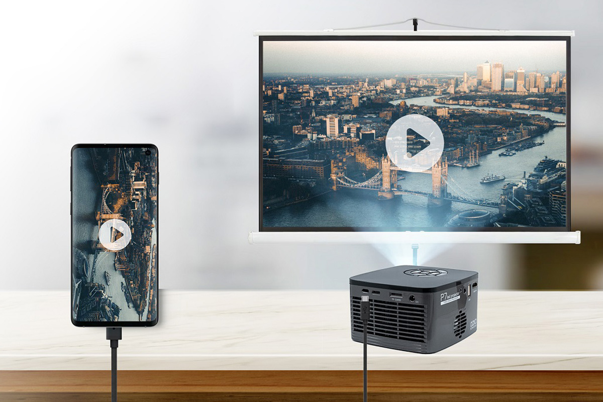 Make Your Own At-Home Movie Theater With These Projectors_1